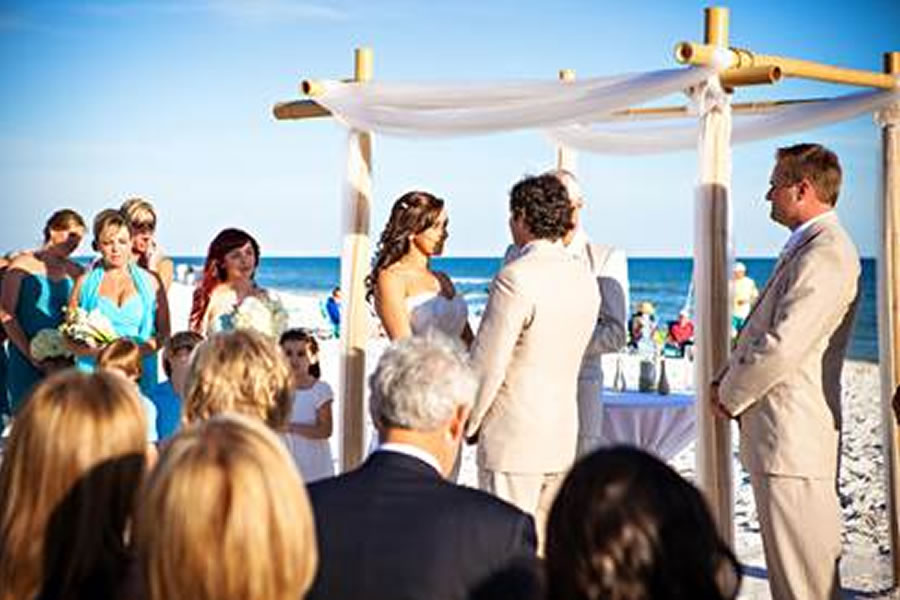 destin-beach-weddings-angle-altar