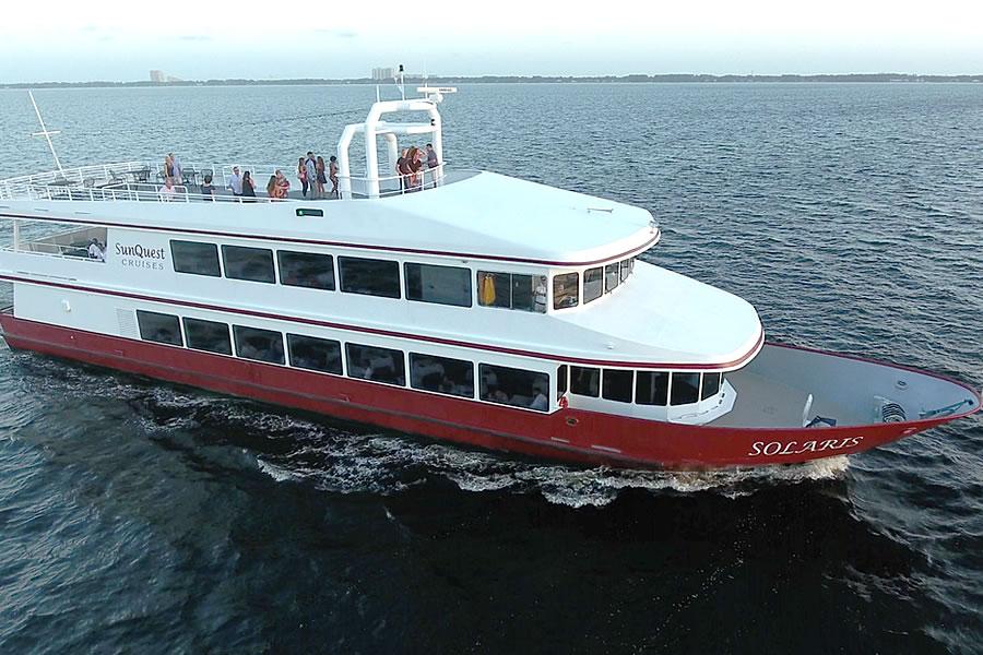 SOLARIS Yacht Venue   Dine, Dance, Cruise, Wed