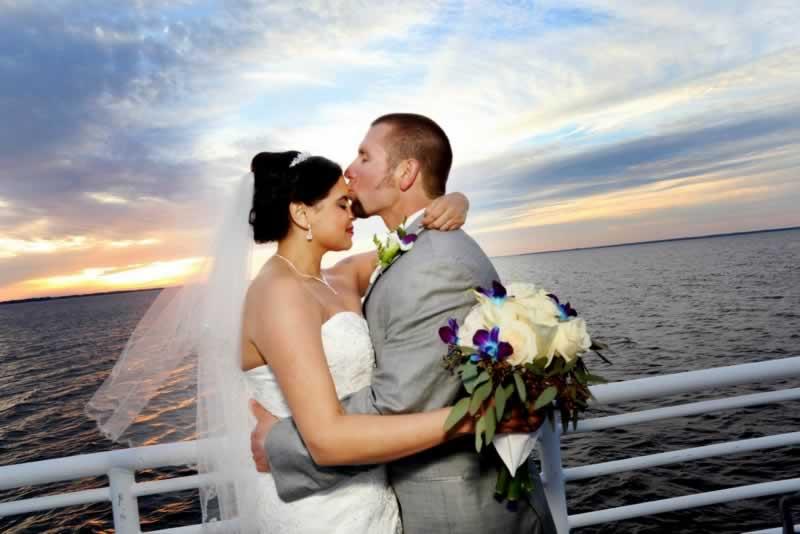 destination florida wedding ideas solaris yacht sky deck kiss
