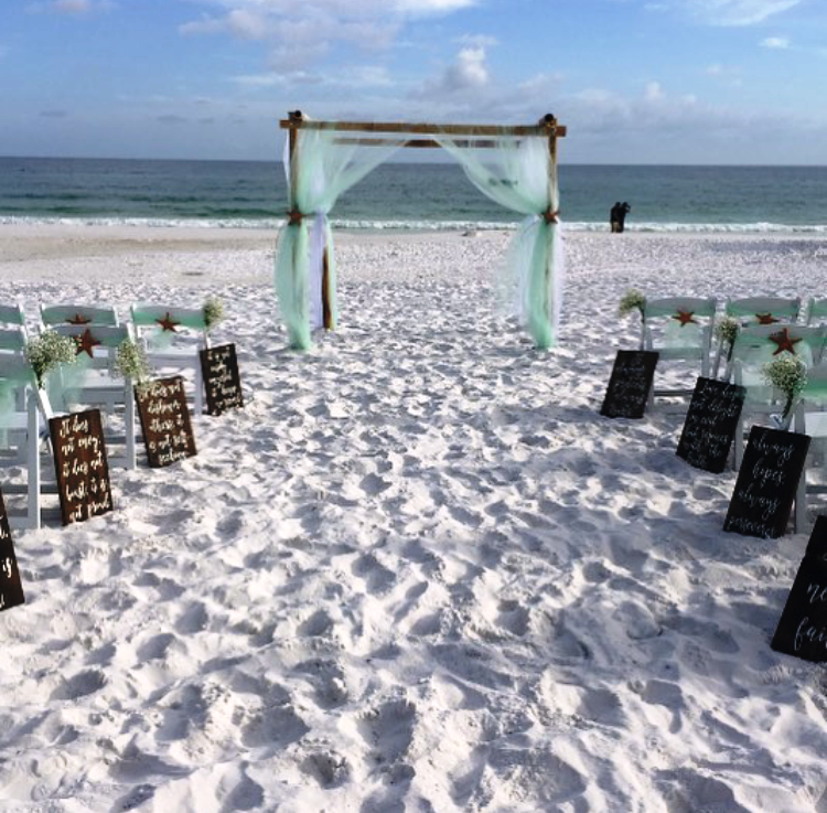 destin beach weddings green aisle markers