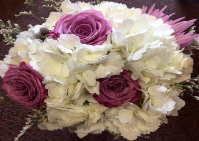 destin fl wedding trends purple bouquet